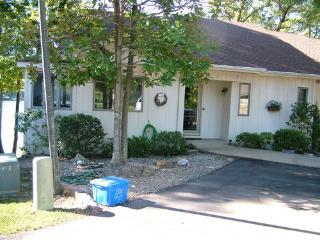 20EscoLn | Lake DeSoto | Townhome | Sleeps 6 - Arkansas vacation rentals