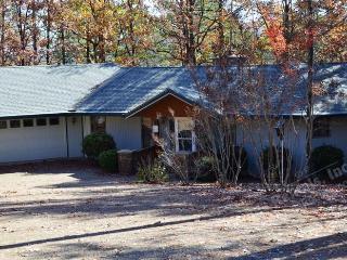 9AlarWy West Gate Area | Home| Sleeps 4 - Hot Springs Village vacation rentals