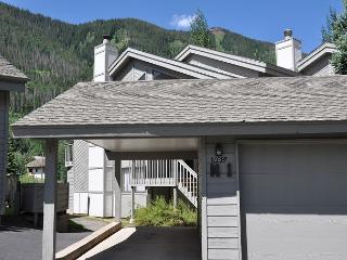 Gore Creek meadows 5 bedroom Townhome 5.5 miles from the Vail Village - Vail vacation rentals