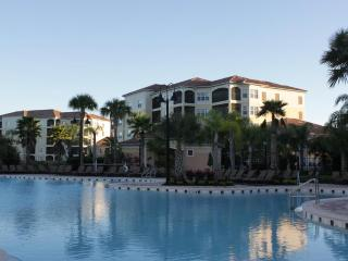 BEAUTIFUL DISNEY VACATION CONDO -1 MILE TO DISNEY - Orlando vacation rentals