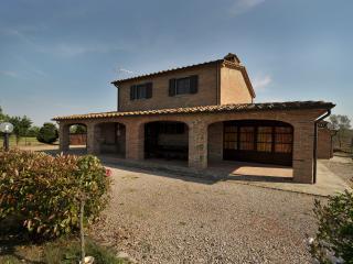 Farmhouse for Rent near Cortona - Casale La Pietra - Bettolle vacation rentals
