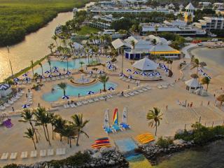 1/1 Condo in Ocean Front  Community - Key Largo - Key Largo vacation rentals