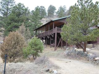 Mountain Hall- Big porch,  HUGE 2 story great room - Estes Park vacation rentals