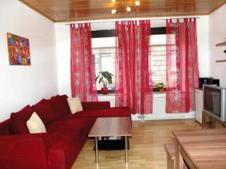 Vacation Apartment in Nuremberg - 732 sqft, two bedrooms, great location (# 1289) - Zirndorf vacation rentals
