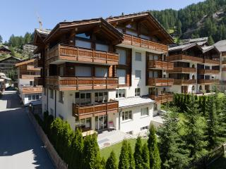 Casa Della Luce 4 1/2 Room Apartment - Zermatt vacation rentals