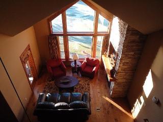 Lodge 403A One Bedroom, One Bath Corner Condominium. Sleeps 4. WIFI - Stanley vacation rentals
