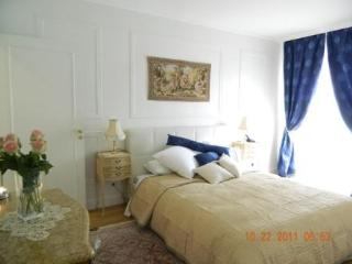 Affordable Luxury Vacation Rental in the 8th District Elysees - Paris vacation rentals