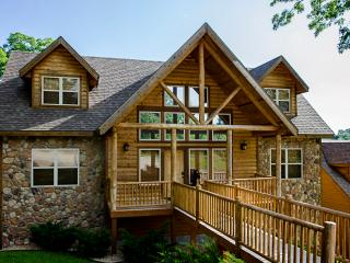 Black Bear Lodge - 7 Master Suites-sleeps 24 - Branson vacation rentals