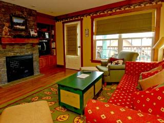 Camp 4 Unit 11: Idyllic Condo in Snowshoe - Snowshoe vacation rentals