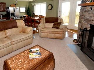 Summit 205C: Wonderful Condo with 3 BR / 2 Bath - Snowshoe vacation rentals