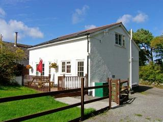 FARMHOUSE COTTAGE, pet friendly, country holiday cottage, with a garden in Pentraeth, Ref 9873 - Island of Anglesey vacation rentals