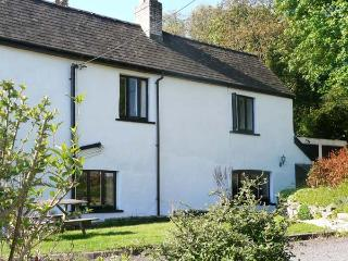 OLD VICARAGE COTTAGE, pet friendly, character holiday cottage, with a garden in Hay-on-Wye, Ref 9211 - Much Birch vacation rentals