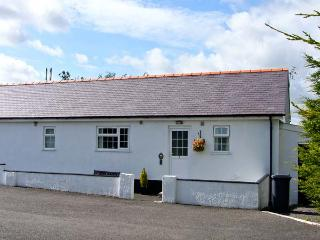 3 BLACK HORSE COTTAGES , pet friendly, country holiday cottage, with a garden in Pentraeth, Ref 9875 - Island of Anglesey vacation rentals