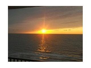 Special $750wk now thru 12/19 was $1075 Beachfront - Image 1 - Marco Island - rentals