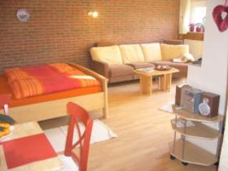 Single Room in Bedburg-Hau - 387 sqft, stylish furniture, affordable (# 598) - Hamminkeln vacation rentals