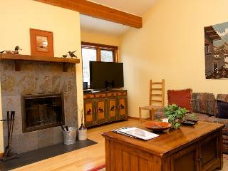 Classic ski hideout in the heart of Jackson - Wyoming vacation rentals