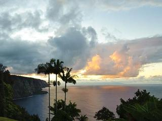 Oceanfront, Magical, Breathtaking..... - Honokaa vacation rentals