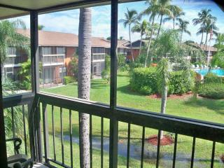 Marco Island Right ACROSS Resident's BEACH! +WIFI - Marco Island vacation rentals
