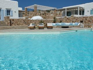 Large Greek Island Villa with Views of the Aegean Sea and Within Walking Distance of Town - Villa Belus and Agenor - Koufonissi vacation rentals