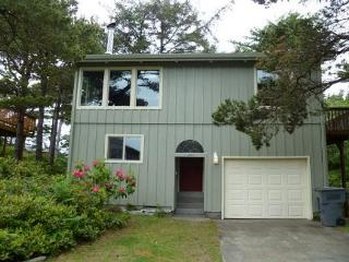 WINDWARD PINES - Manzanita vacation rentals