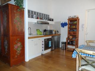 Romantic Love Nest in Prime Location, Vieux Nice - Nice vacation rentals