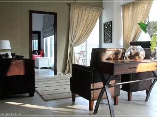 319-Gorgeous 1 Bedroom Very Near To Burj Khalifa And Dubai Mall - Dubai vacation rentals