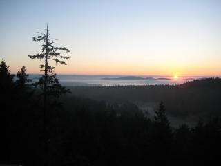 Hummingbird Hill Bed&Breakfast / Japanese Teahouse - Gulf Islands vacation rentals