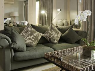 Life & Leisure Executive Apartment Oude Hoek 204 - Stellenbosch vacation rentals
