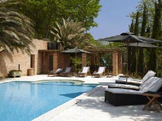 Villa Barcarelli features tennis, panoramic views & Solar heated pool - Pisa vacation rentals