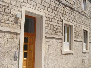 2 bedroom apartment near old town Trogir- sleep 6 - Trogir vacation rentals