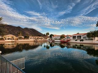 DIVING POOL LAKEFRONT! MINUTES TO SPORTING EVENTS! - Sun City West vacation rentals