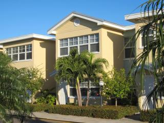 Great Condo - Barefoot Beach Resort - Ground Level - Indian Shores vacation rentals