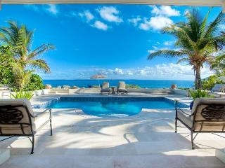 The Perfect Romantic Setting for Two - Terres Basses vacation rentals