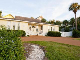 DeSoto Beach Bungalows, with pool, No Hidden Fees - Tybee Island vacation rentals