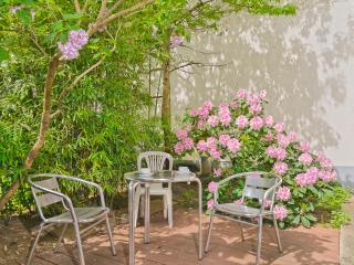 Paris Vacation Rental with Private Garden and Wifi - Paris vacation rentals