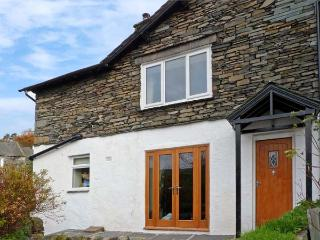 WOODBINE COTTAGE, family friendly, character holiday cottage, with a garden in Ambleside, Ref 11682 - Ambleside vacation rentals