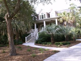 Beautiful 4 bed/4 bath Private Home w/heated pool - Kiawah Island vacation rentals