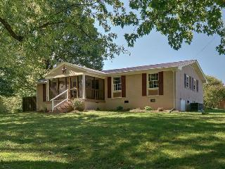 3 Bedroom - Nashville's Nature & Outdoor Paradise - Nashville vacation rentals