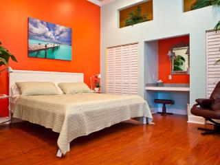 STEPS TO DUVAL!  LUXURY,  SLEEPS 2-4, - Key West vacation rentals