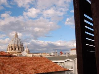 Zenzero&Cannella view over St. Peter's Basilica - Rome vacation rentals