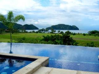 Beachfront Villa Tranquila on Los Seunos Resort, infinity pool- jetted tub - Herradura vacation rentals