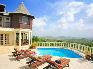 Residence Du Cap - Elegant property has amazing views, guest cottage & pool - Cap Estate vacation rentals