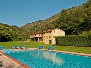 Phenomenal Villa Alisso complete with covered patio, pool and lovely garden - Seravezza vacation rentals