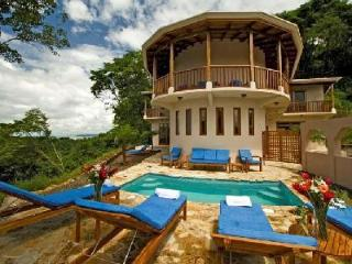 Villa Siete offers 360° ocean & mountain views, plunge pool and tennis - Guanacaste vacation rentals