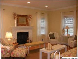 Living room with gas fireplace - Beautiful home in Bay Head - Bay Head - rentals