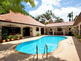 The Coconuts Villa - Luxury 3 Bedroom Pool Villa - Rawai vacation rentals