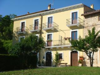 Quaint & cozy apartments in the italian Apennines - Abruzzo vacation rentals