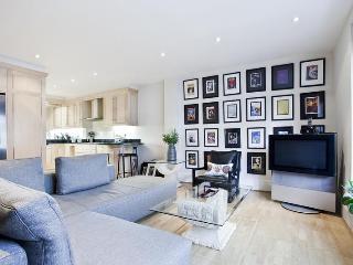 John's Mews 2 Bedroom Apartment in London - London vacation rentals