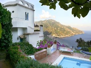Ravello Retreat Amalfi villa with view, Ravello villa rental with pool, wedding villa on Amalfi coast, Villa with parking Ravell - Ravello vacation rentals
