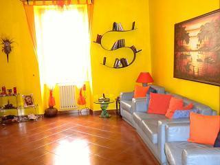 Lovely and cozy apartment close to downtown, - Rome vacation rentals